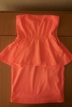 Neoninė koralinė suknelė