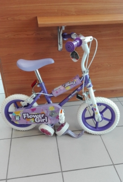 Mergaitiškas dviratis