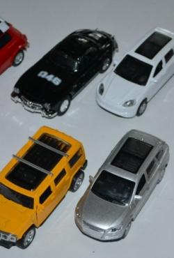 Mašinų modeliukai metaliniai