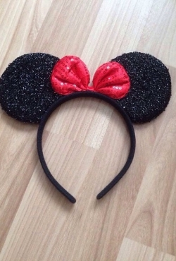 Blizgios Minnie ausytės