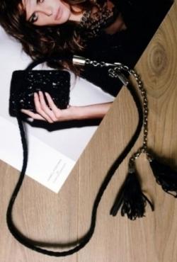 Stilingas juodas dirželis su kutais