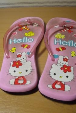 Hello Kitty šlepetės per pirštą