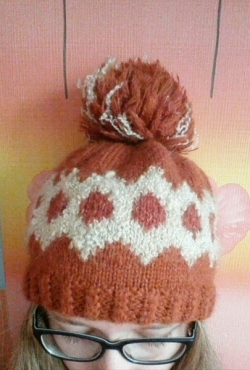 Rankų darbo megzta žieminė kepurė