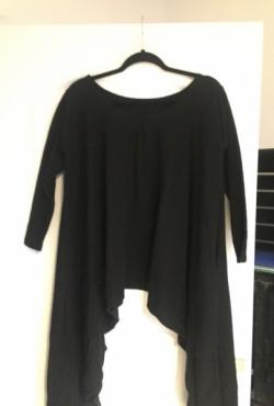 pusvilnonė juoda tunika asimetriškais šonais one size