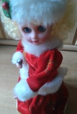 """Dainuojanti, šokanti lėlė """"Dancing Doll"""""""