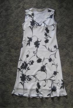 Lengva vasarinė suknelė