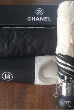 Chanel skėtis