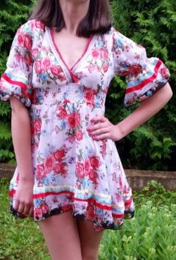 Gėlėta suknelė-tunika