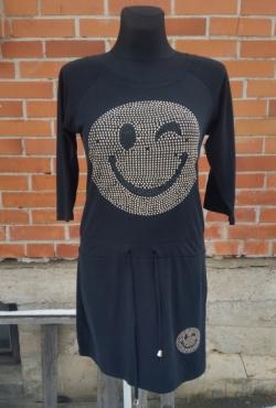 Stilinga suknelė su kniedytėm