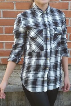 Stilingi languoti marškiniai