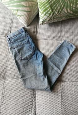 Šviesūs džinsai su guma