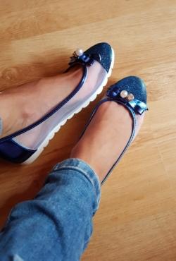 Blizgūs mėlyni bateliai