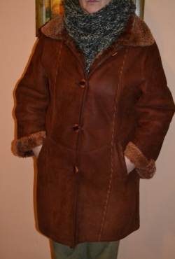 Rudi verstos odos labai šilti moteriški natūralaus avikailio kailiniai