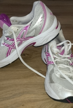 Asics bėgimo bateliai