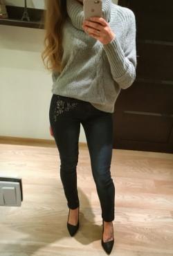 Kniedyti skinny džinsai