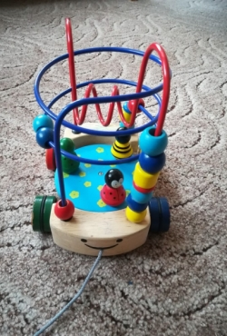 Lavinamasis medinis žaislas