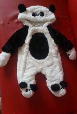 panda kombinezonas